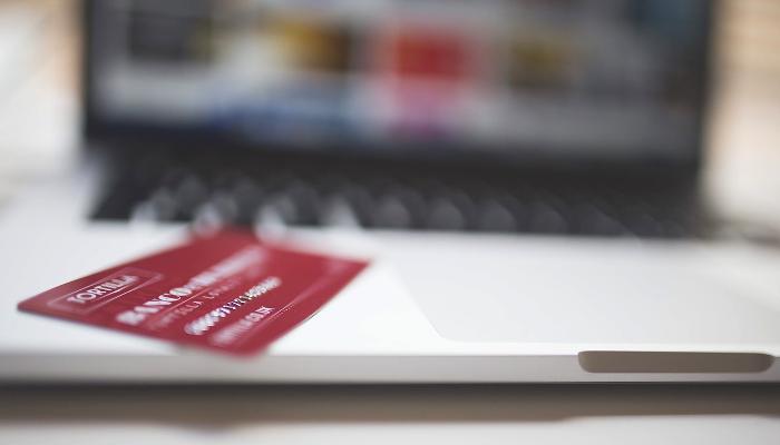Cartão de Crédito e Computador